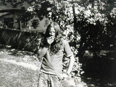v mládí s dlouhými vlasy (foto zřejmě Viktor Karlík)
